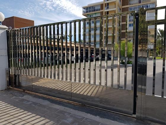 Puertas Correderas Automáticas en Acero Inox