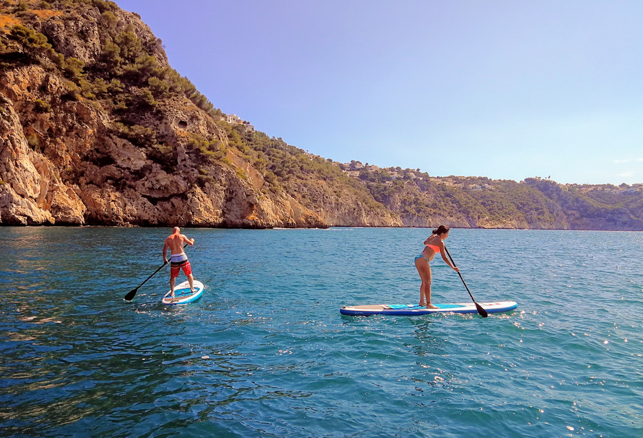 Travesía de paddle surf en Playa de la Granadella