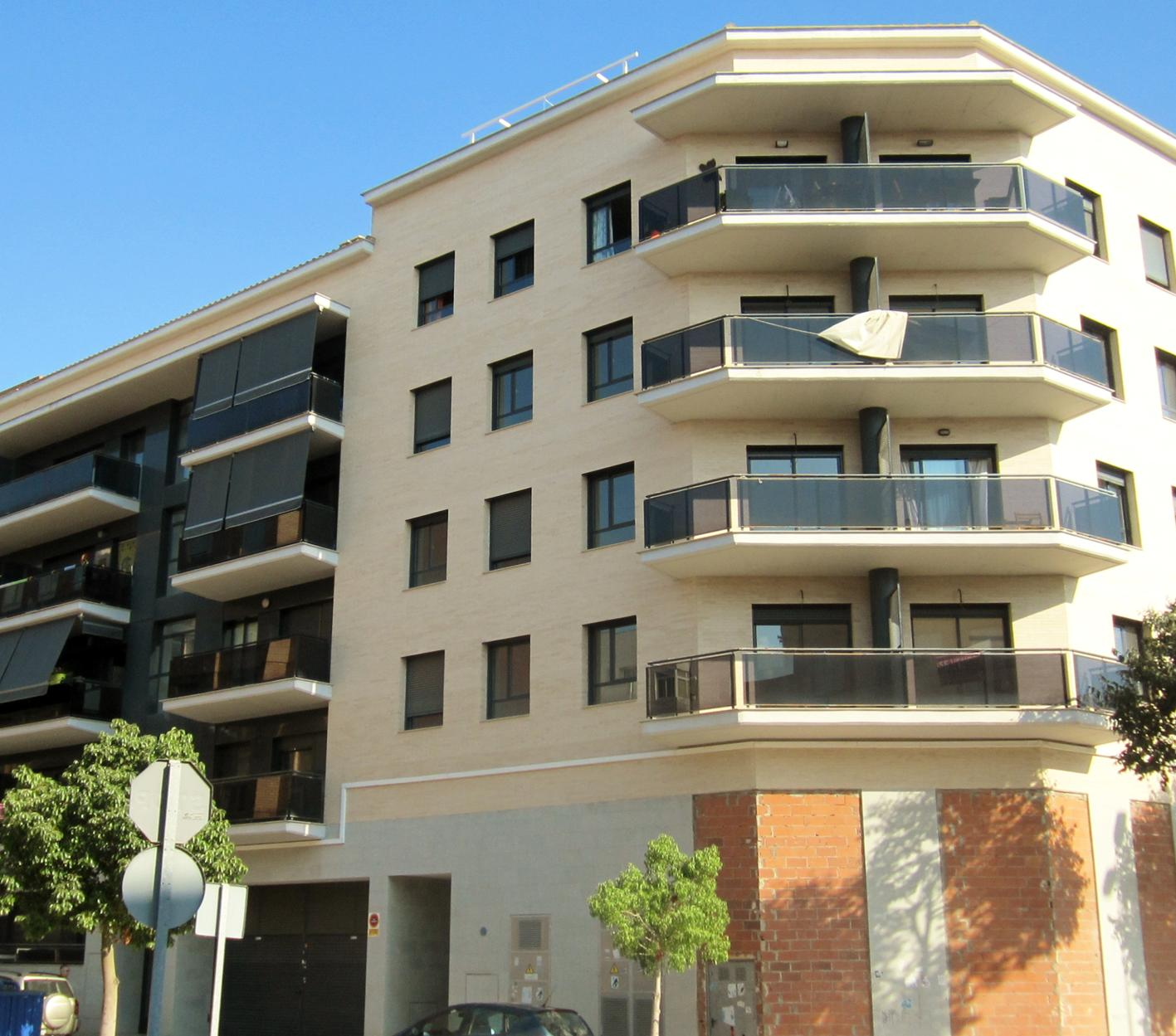 Edificio de obra nueva con excelentes calidades y tipologías diversas