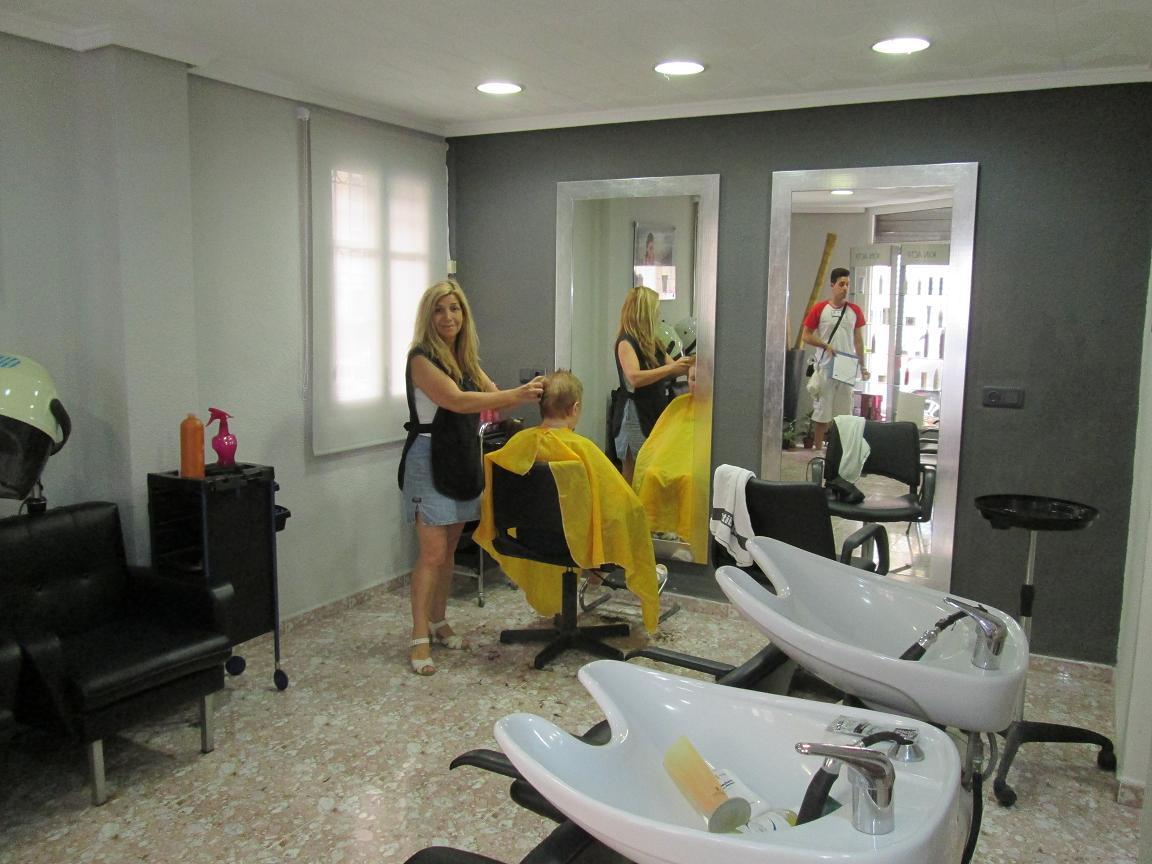 Peluqueria y estetica sole xirivella directorio comercial for Peluqueria y salon de belleza