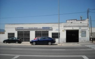 Talleres Tursa. Oficial Nissan