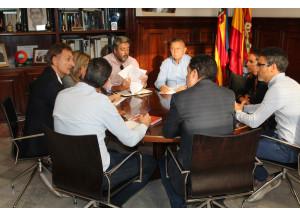 Acord del Govern Municipal amb els representants empresarials per impulsar les energies netes a les nostres indústries