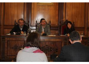 El Pleno acuerda la permuta del edificio de la placeta de la Mare de Déu por tres inmuebles de la Generalitat