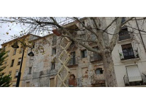 En marxa la demolició dels edificis 102 i 104 del carrer Sant Mateu