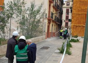 Empieza la revisión de los edificios del centro por parte de expertos en estructuras