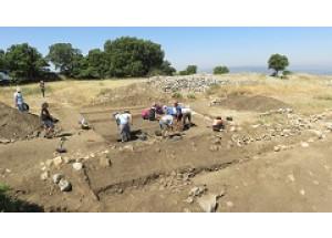Conclou un cicle de sis anys d'excavacions arqueològiques en l'assentament ibèric del Cabeçó de Mariola
