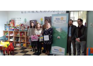 Donación del Rotary Club Alcoi Font Roja para el Punto de Encuentro Familiar (PEF)