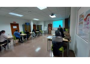 El Programa d'Itineraris d'Inserció Sociolaboral duu a terme un curs de neteja professional