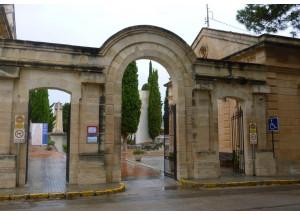 El govern municipal recuperarà els blocs en mal estat del cementeri