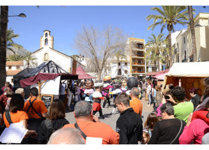 La fira de pasqua de Xàbia compleix 35 edicions donant recer a l\'artesania i la tradició