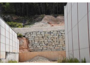 L'Ajuntament d'Alcoi fa una actuació d'emergència per solucionar els problemes que va causar la borrasca 'Gloria' al cunetó del polígon Santiago Payá