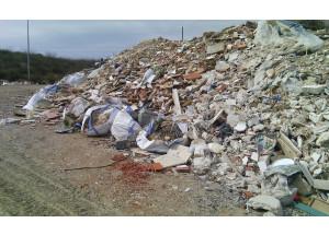 Dues sancions per abocaments de residus de la construcció en terrenys no autoritzats