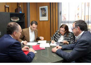 El Ayuntamiento firma un acuerdo con la Cámara de Comercio para favorecer la inserción laboral en Onda